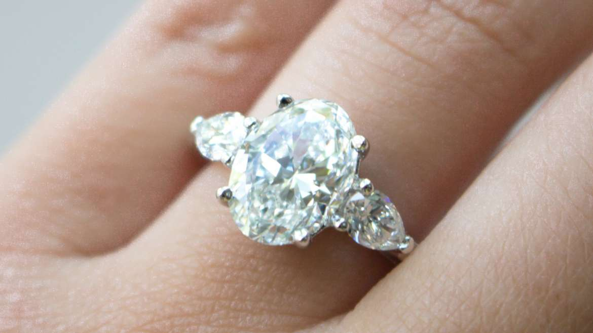 Diamond engagement rings-factors when buying